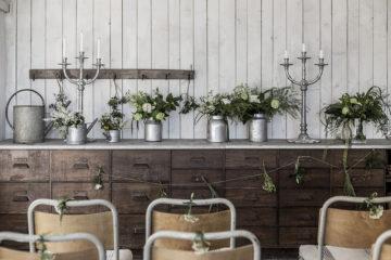 dekorera med blommor på bröllop och midsommarfest – Husligheter
